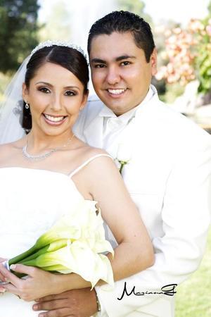 Sr. José Olvera Falcón y Srita. Nancy Araceli Fraire López contrajeron matrimonio en la iglesia de La Inmaculada Concepción, el sábado 12 de noviembre