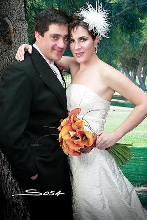Sr. Miguel Ángel Villarreal Montero y Srita. Estrella Franco Sol contrajeron matrimonio el pasado 12 de noviembre.