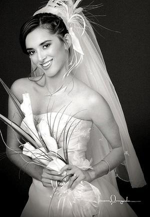 Srita. Lucy Olivia Torres Romo, el día de su enlace matrimonial con el Sr. Roberto Carlos de la Cruz