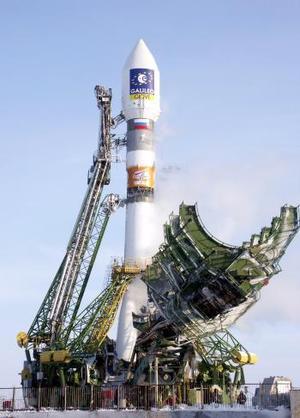Hasta ahora, los europeos habían enviado satélites de comunicaciones, situados en una órbita geoestacionaria -a unos 36 mil  kilómetros de la Tierra-, o misiones interplanetarias, con órbitas especiales. <p> Giove A y B proporcionarán información sobre las particulares condiciones que existen en la llamada órbita media, unos datos que servirán para los 30 satélites de la red Galileo.