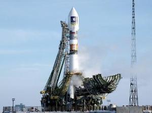 El satélite Giove A, el primer eslabón del sistema de navegación vía satélite Galileo, fue puesto en órbita tras una compleja misión, lo que abre la puerta al competidor europeo del GPS estadounidense.