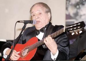 """El 30 de julio Pepe Jara dejó de existir; conocido como """"El Trovador Solitario"""", uno de los exponentes más importantes del bolero y principal intérprete del compositor Álvaro Carrillo, murió a los 77 años de edad a causa de un infarto cerebral. <p> El Trovador Solitario"""" decía que las mujeres le podían fallar pero su guitarra nunca, por eso la consideraba su más fiel compañera, aquélla con la que podía interpretar temas como Echame a mí la Culpa, Te Odio, te Quiero, Último Trago y Serenata sin Luna, sólo por mencionar algunos."""