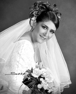 Lic. Claudia Guerrero Velázquez, el día de su boda con el Dr. Ramiro Cárdenas Arias.  <p> <i>Estudio: Sosa</i>