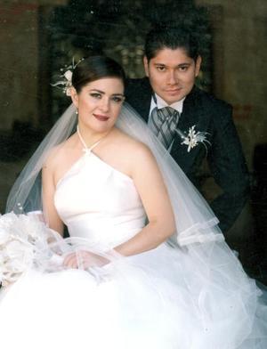 Ing. Raymundo Sánchez Adame y Dra. Begoña Casas Becerra contrajeron matrmonio religioso en la parroquia del Señor del Encino en Aguascalientes el 30 de julio de 2005.