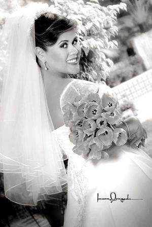 Lic. Claudia Marsela Adame Ponce copntrajo matrimonio con el Lic. Marco Antonio Herrera Gallo. <p> <i>Estudio: Laura Grageda</i>