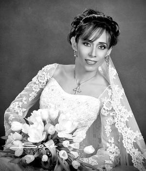Srita. Adriana Pedroza  Hernández el día de su enlace matrimonial con el Sr. Javier Allegre del Cueto. <p> <i>Estudio: Sosa</i>