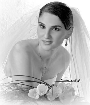 Srita Beatriz González Cavazos el día de su enlace nupcial con el Sr. Javier Fernández Fernández.  <p> <i>Estudio: Sosa</i>