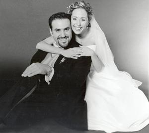 Srita. Mary Nelly Fernández Knight el día de su enlace nupcial con el Sr. Mario Villarreal Murra.