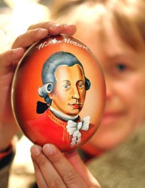 Mozart, quien deslumbró a las cortes europeas con su brillantez como niño pianista y comenzó a componer cuando apenas tenía cinco años de edad, escapó a Viena cuando era un joven de 20 años después de sentir que el provincialismo de Salzburgo estaba limitando su estilo.