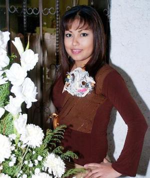 de_04022006  Janeth Rocío Gámez Ciper  fue festejada con una despedida de soltera por su próxima boda con Ricardo Alejandro Samaniego.