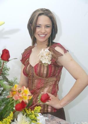 de_12022006  Alejandra Delgado Mon+arrez contraerá matrimonio con Octavio Israel Grijalva Flores.