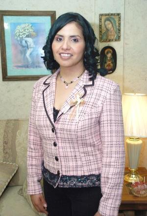 de_12022006  Maricela Calderón González contraerá matrimonio con Juan Pablo Macías Reyes.