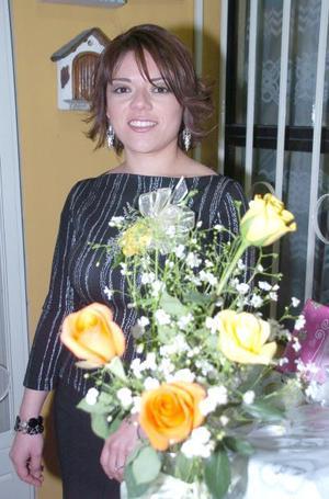 de_17022006  Vanessa  Amador Montoya contraerá nupcias.