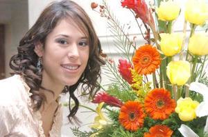 de_18022006  Miriam Cuéllar Flores el día de su despedida de soltera.