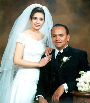 Dr. Horacio Ambriz padilla y Dra. Patricia Arreola Ríos recibieron la bendicion nupcial, el siete de enero de 2006