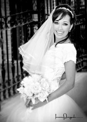 L.C.Q. Brenda Marlén Arreola Talamantes, el día de su enlace matrimonial con el Sr. Pedro Noé Moo Castro.  <p><i> Fotografía:  Laura Grageda</i>