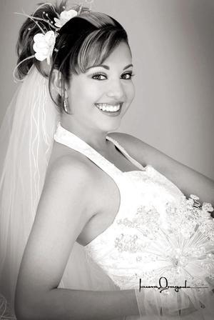 Srita Rebeca Ramos Reyes, el día de su enlace nupcial con el Lic. Arturo Gerardo Gorena Guel.   <p><i> Fotografía:  Laura Grageda</i>