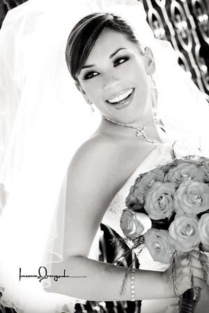 Srita. Ana Lynn Villa Salcido el día de su enlace nupcial con el Sr. David González Venegas. <p><i> Fotografía:  Laura Grageda</i>
