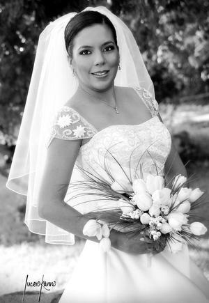 Srita. Claudia Gabriela Vázquez Castro, el día de su enlace matrimonial con el Sr. Gerardo Ernesto de la Fuente Lozada.  <p><i> Fotografía:  Lucero Kanno</i>