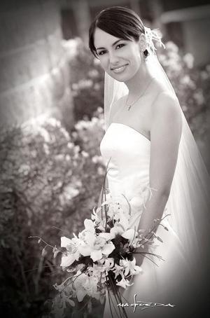 Srita. Silvia Olga González Hernández, el día de su boda con el Sr. José Ortiz Zermeño.   <p><i> Fotografía:  Maqueda</i>