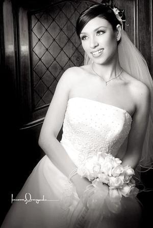 Srita. María Renée Montes Ruelas, el día de su boda con el Sr. Luis Zazariván Baroza Sánchez.  <p><i> Fotografía:  Laura Grageda</i>