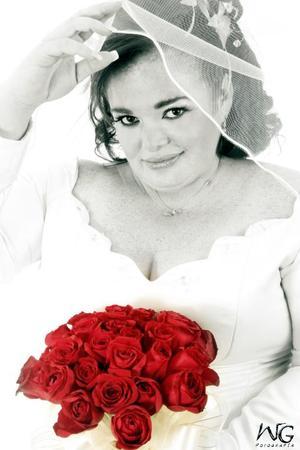 Srita. Érika Guadalupe Nevárez Ramos el día de su enlace nupcial con el Lic. Gustavo González Jácquez.  <p><i> Estudio fotográfico: WG Fotografía</i>