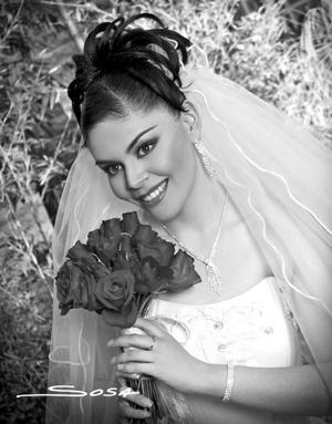 Srita. Carmen Beatriz Machuca Samaniego el día de su enlace nupcial con el  Lic. Manuel Rodríguez Chávez.  <p><i> Estudio fotográfico: Sosa </i>