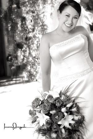 Lic. Claudia Beatriz Vázquez García, el día de su enlace matrimonial con el Lic. Melchor Delgado León.  <p> <i>Fotografía:  Laura Grageda</i>