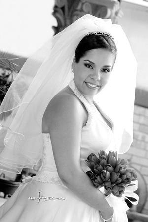 LC.I. Almendra Olguín Amezcua, el día de su enlace matrimonial con el Arq. Roberto Acosta Tueme.   <p> <i>Estudio:Maqueda</i>