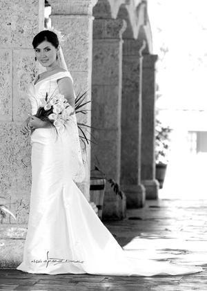 Srita. Nadia Margarita Nava Rivera, el día de su boda con el Sr. Gerardo Daniel García Lopéz.  <p> <i>Estudio:Maqueda</i>