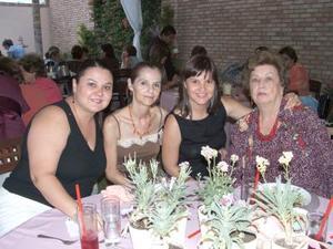 04052006 Claudia de Pedroza, Charmaine de Villalobos, Charmaine de Meza y Carmen Martínez.