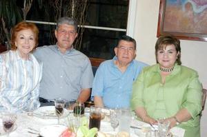 05052006  Nancy y Antonio Kuri, Licha y Rigoberto Mena.
