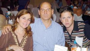06052006  Cecy Marroquín de Murra, Guillermo Murra y Guillermo Murra Marroquín