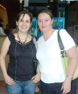 07062006  Alejandra González y Leticia Izaguirre.