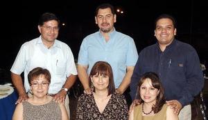 07062006  Arcelia de Dalier, Jesús Alberto Dalier, Mary de Núñez, José Antonio Núñez, Ana Laura de García y Víctor Rubén García.