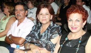 07062006  Leocadio Hernández, Elsa Salinas y Mary Jaik.