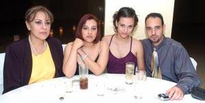 07062006  Queta Sgarena, Mariatelo de Rivera, Leila Chamut y Jamil Chamut.