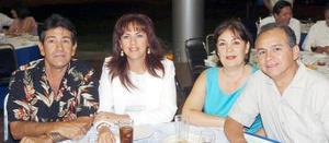 12052006  Gabriel Aguilar, Adriana de Aguilar, Elsa de Díaz y Jorge Díaz.