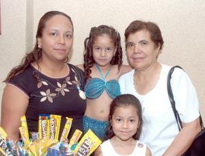 12052006  Karla A. Acevedo, Laura Díaz de Acevedo, Velia Fernández e Irma Castañeda.