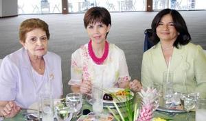 12052006  María Luisa Batarse, Carolina Landeros y Olga Medina.