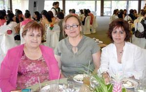 12052006  Sonia Quiroga, Dora de Flores y Lety Martínez.