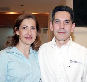 11052006  Patricia Hernández y Carlos Hernández