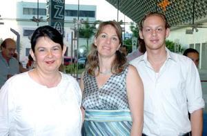 14052006  Gabriela Nava, Marcela Esténs y Rogelio Rivero.