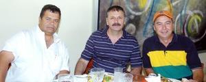 14052006  Luis Urteaga, Teófilo Murra y Fernando Gutiérrez.
