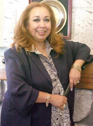 14052006  María Ernestina Rivas de Domínguez celebró recientemente su cumpleaños.