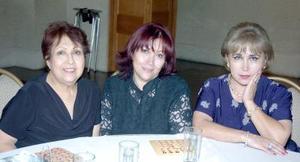 14052006 Reina de Jiménez, Rosario de Ramos e Irma de Cáceres.