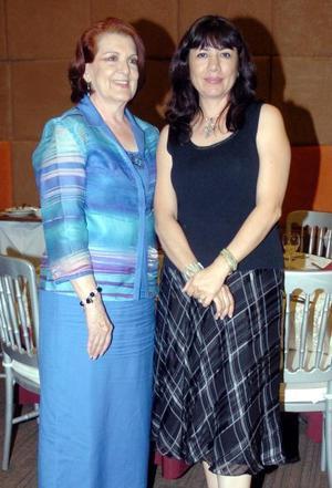 14052006  Rosa de Granados y Lupita de Murra.