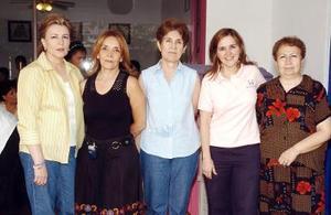 14052006  Sofía Baille, Lupis Flores, Norma Franch, Cecy de Murra y Tulina Ríos, miembros del patronato de Casa Feliz.