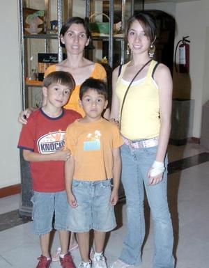 15052006  Brenda Chávez, Ana Elisa Mena, Carlos y Gabriel Balderas.