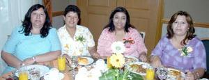 15052006  Lourdes Estrada, Guadalupe Medina, Rosario Torres y Lupita Luna, en un festejo con motivo del Día de Maestro.